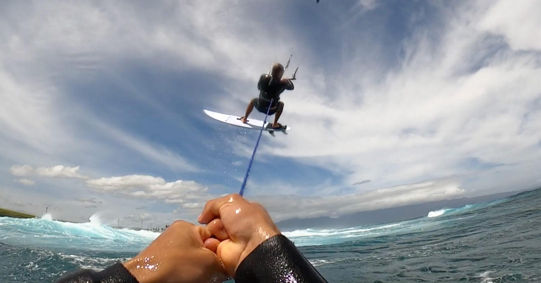 Fun en Surfkite et foil avec Kai Lenny et Jesse Richman dans les vagues de Maui