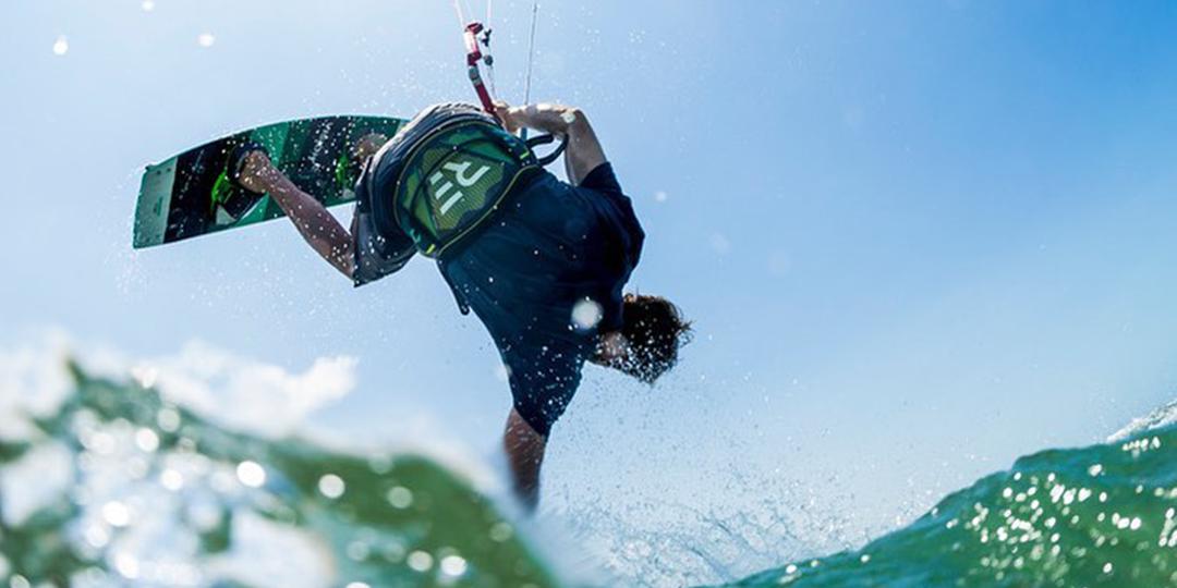 Guide : Harnais de kite surf souple ou rigide, comment choisir ?
